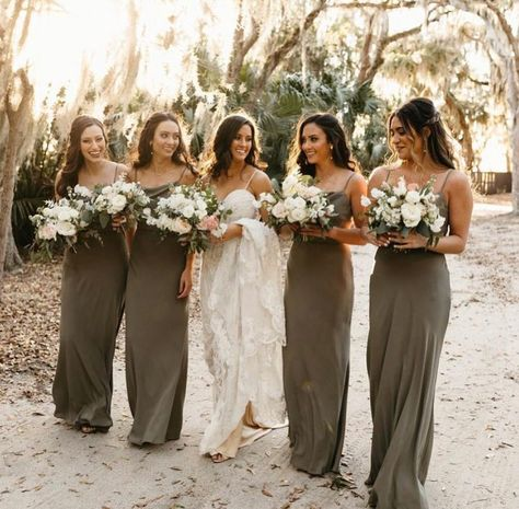 "Jenny Yoo Collection on Instagram: ""Crushing on Moss green #JYCMoss 🌿 Babes in the Tessa 🤩 Photo @wearethebowsers #JennyYooBridesmaids #JYCTessa"""