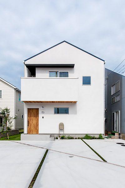 シンプルモダンな三角屋根の家 日本のモダンな家 住宅 外観 家 外観 モダン