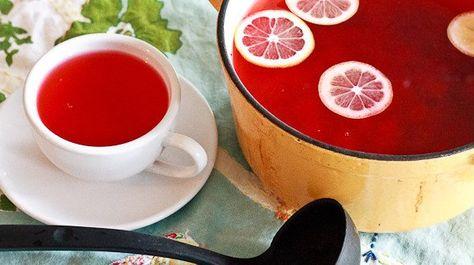 Cette boisson est délicieuse! Elleaide votre thyroïde à mieux fonctionner,essayez la! Ingrédients: 1 tasse de jus de cannebergenon sucré 7tasses d'eau purifiée 1/2 càc de cannelle 1/4 decàc de gingembre 1/4decàc de noix de muscade 3/4 tasse de jus d'orange fraîchement pressé (environ 3 oranges) 1/4 tasse de jus de citron pressé (1 à 2 …