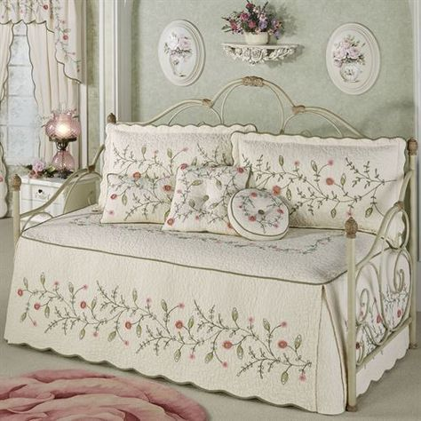 Pretty Posy Daybed Set Ivory Daybed Daybed Bedding Sets Daybed