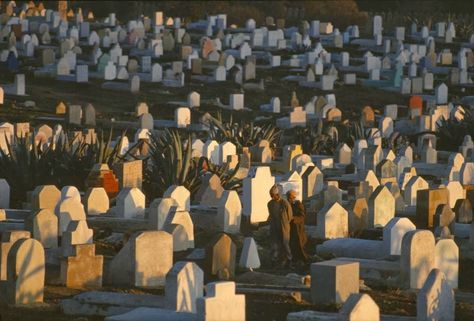 Wonderful Colour Photos Of Morocco In 1984 By Bruno Barbey Photo Magnum Photos Morocco