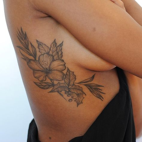 23 Sister Tattoos That Are Anything But Basic Dope Tattoos, Dainty Tattoos, Feminine Tattoos, Body Art Tattoos, Side Body Tattoos, Cute Foot Tattoos, Unique Wrist Tattoos, Leaf Tattoos, Small Tattoos