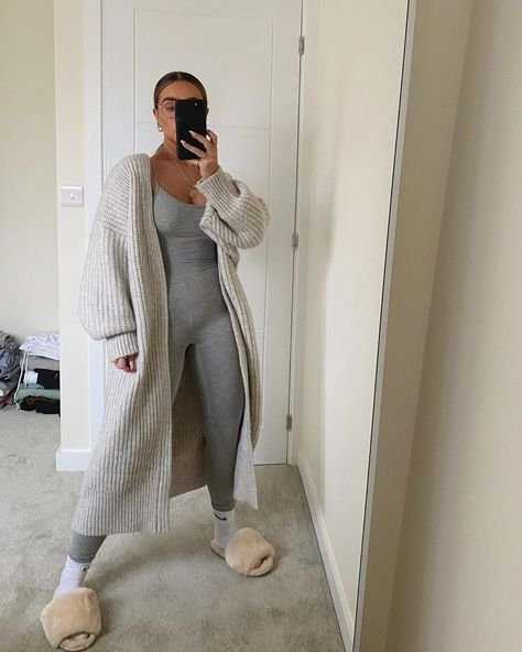 Chill Outfits, Mode Outfits, Cute Casual Outfits, Stylish Outfits, Pastel Outfit, Winter Fashion Outfits, Look Fashion, Womens Fashion, Black Girl Fashion