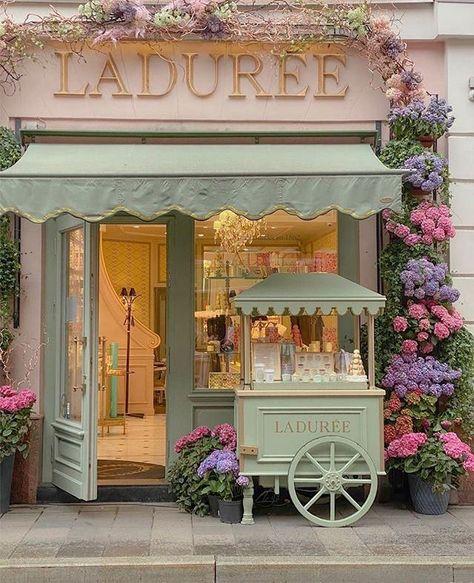 Laduree Cafe Interior Design, Cafe Design, Boutique Interior, Mein Café, Style Salon, Cute Cafe, Cafe Shop, Shop Fronts, Jolie Photo