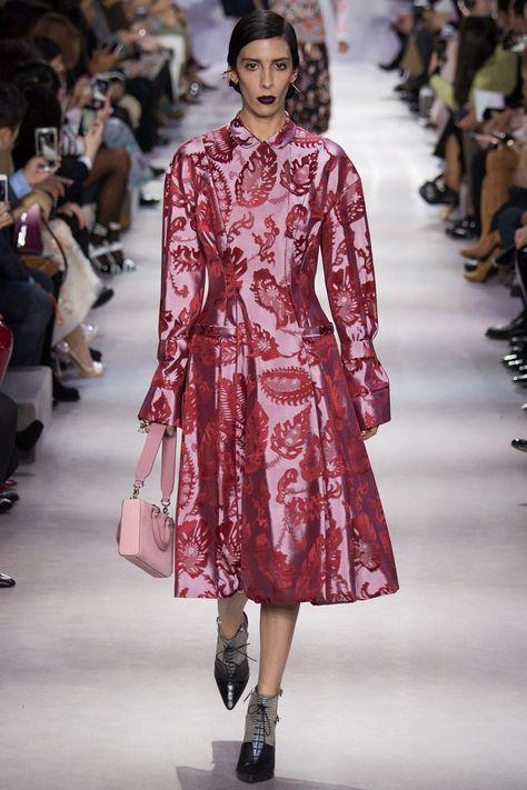 Christian Dior осень-зима 2016-2017   KD   Pinterest   Осень зима ... 339403218c6
