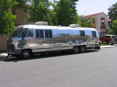 Walk through 1987 airstream classic 345 vintage motorhome bus gmc walk through 1987 airstream classic 345 vintage motorhome bus gmc nasa astrovan youtube designers pinterest vintage motorhome airstream and rv fandeluxe Gallery