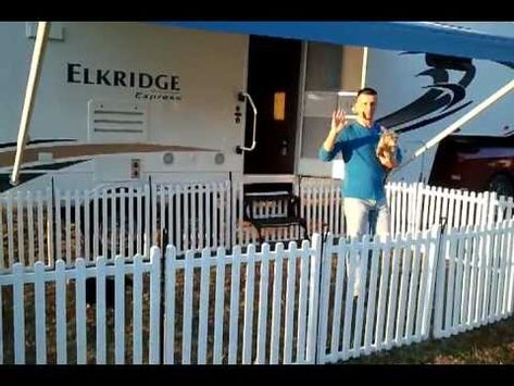 ▶ Portable camping fence. Really, really, really want this!!!
