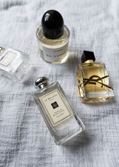 Signature Feminine Fragrances For Spring - Life with Lovely Perfume Scents, Perfume Oils, Perfume Bottles, Perfume Fragrance, Fragrance Mist, Lovely Perfume, Best Perfume, Chanel Perfume, Perfume Reviews