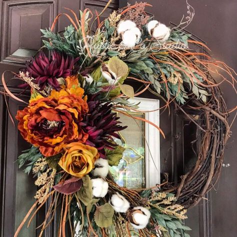 Fifteen Favorite Fall Wreaths - beautiful options for your fall decor! Autumn Wreaths For Front Door, Diy Fall Wreath, Holiday Wreaths, Country Wreaths, Autum Wreaths, Rustic Wreaths, Halloween Wreaths, Burlap Wreaths, Thanksgiving Wreaths