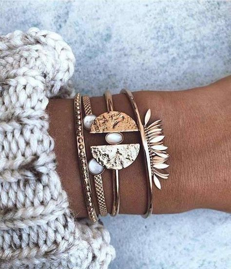 bracelets fantaisie dores 17