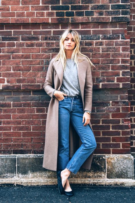 Model Elyse Taylor is effortless and cool in a long coat, grey knit, cropped pants and ballet flats.