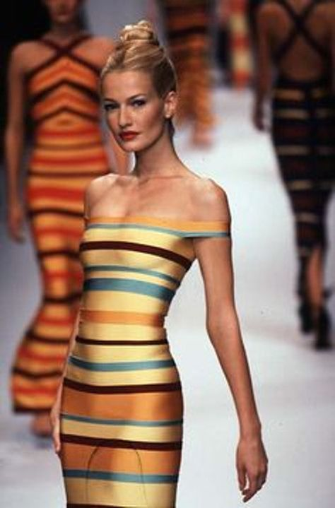 Herve Leger Ready-to-Wear Runway Collection Women Spring / Summer 1997 Tony Awards Gigi Hadid on the Red Carpet – Vogue Burberry Prorsum Fall 2012 Backstage