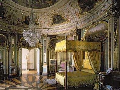 The Royal Bedroom In The Hall Of Don Quixote, The Palace Of Quelez,  Portugal. How Mental Is That? | Dreamy Bedrooms | Pinterest | Royal Bedroom,  Palace And ...