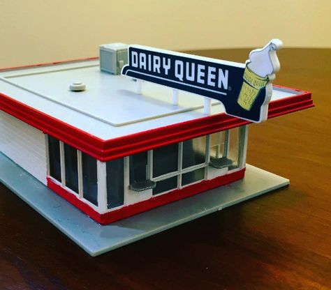 A HO scale model of a 1950s era Dairy Queen