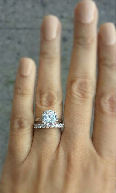 my latest beauty classic and timeless 3 carat solitaire with 10 stone