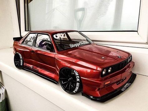 I meann... She is the beauty and the beast her self. Bmw E30 M3, Bmw E30 Coupe, Street Racing Cars, Auto Racing, Rc Drift Cars, Bmw Sport, Bmw Wallpapers, Rc Cars And Trucks, Rc Autos