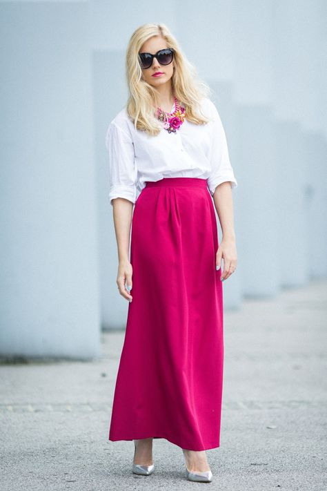 #Modest doesn't mean frumpy. #style #fashion www.ColleenHammond.com