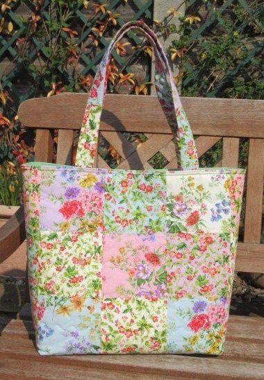 Quilted Shoulder Bag Floral Patchwork Tote Bag