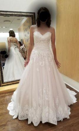 Stella York Wedding Dress New Size 10 900 In 2020 Stella York Wedding Dress York Wedding Dress Wedding Dresses