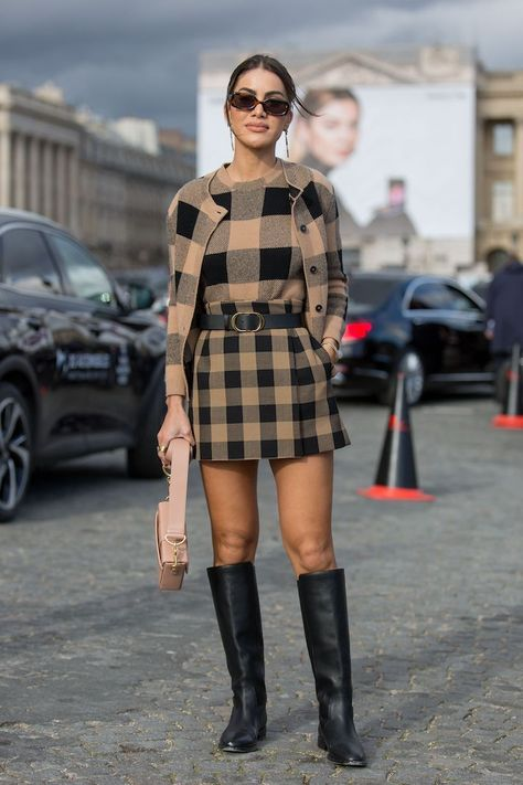 The Paris Fashion Week 2020 Street Style Proves Neutrals Are Anything but Boring Grab a croissant and get ready ready to take notes. Paris Fashion Week Street Style, Milan Fashion Weeks, Autumn Street Style, Street Chic, London Fashion, Next Fashion, Fall Fashion Outfits, Autumn Fashion, Fashion Tips