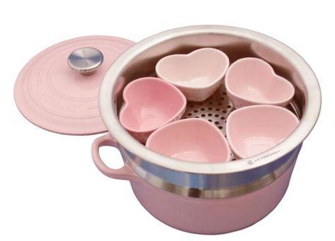Le Creuset pink heart set #home #kitchen