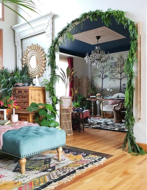 Eclectic Twist - Design And Live Outside the Lines Design Eclético, Home Design, Interior Design, Eclectic Design, Eclectic Decor, Cozy Eclectic Living Room, Eclectic Bedrooms, Maximalist Interior, Decoration Design