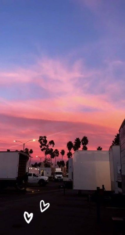 Pink Aesthetic Sunsets Sun Sunrise Sunset Set Tumblr Aesthetic Sky Cloud Clouds Beautiful Colorful Purple O In 2020 Sunset Wallpaper Aesthetic Wallpapers Sky Aesthetic