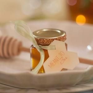 Small Blank Honey Wedding Favor Kit With Optional Honey Dipper And Bee Charm In 2020 Honey Wedding Favors Honey Wedding Honey Jar Wedding Favors