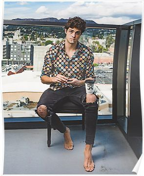 Noah Centineo played Peter Kavinsky in a Netflix adaptation of To All the Boys I've Loved Before, and Sierra Burgess Is a Loser and now is an obsession-worthy Internet Boyfriend.