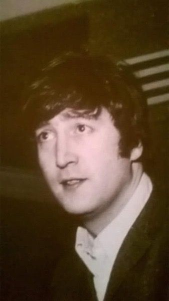 Pin By Rick Lee On John Lennon Beatles Pictures John Lennon Beatles Lennon