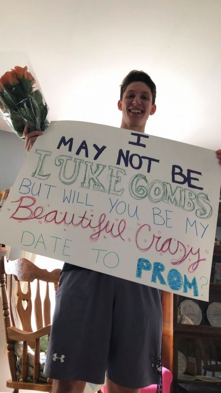 Prom Proposal For Him Prom Best Prom Proposals, Cute Homecoming Proposals, Homecoming Signs, Creative Prom Proposal Ideas, Funny Prom, Prom Invites, Cute Promposals, Country Prom, Disney Prom