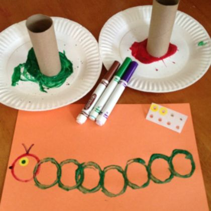 55 Ideas Spring Art Projects For Toddlers Hungry Caterpillar Insect Crafts, Bug Crafts, Daycare Crafts, Classroom Crafts, Crafts For Kindergarten, Kids Crafts, Preschool Arts And Crafts, Dragon Crafts, Horse Crafts