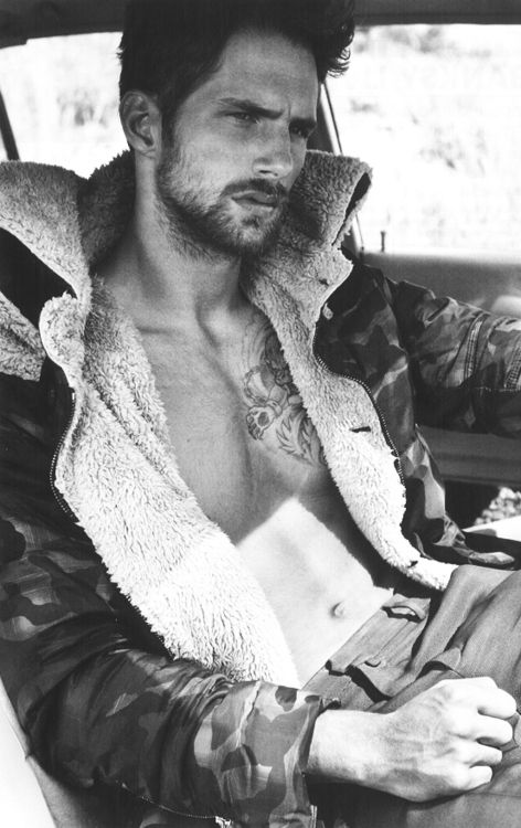 Saskia de Brauw in Maison Martin Margiela photographed by Ruth Hogben for anOther Magazine, Fall 2012 | fashion editorial | car | driver | leather jacket | lambs wool | male model | tatoo |
