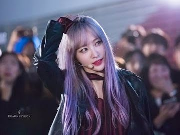 Fans Cant Get Enough Of The Beauty Of This Purple Hair Idol Kpop Hair Color Hani Ahn Hani