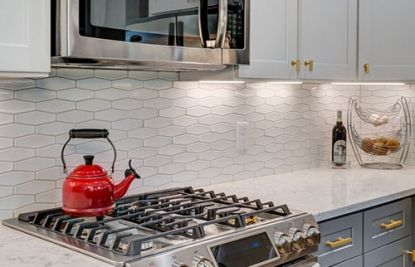 Stovetop With Beautiful Kitchen Counter Kitchen Remodel Kitchen