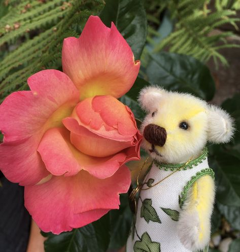 Flora Furrington 🧸💕 on Twitter: Hope you have a great weekend pals .. Big loves, Flora xx 💛💛💛…