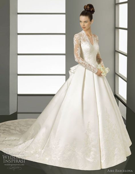 Kate Middleton Inspired Wedding Dress Aire Barcelona Kate Lace And Satin Gown In Ivory Kate Middleton Wedding Dress Ball Gowns Wedding Wedding Dresses