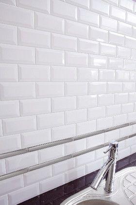 Faience Metro Blanc Biseaute Pour Application Murale L 7 5 L 15 Cm Ep 7 5 Cm Brico Depot Decoration Murale Cuisine Carrelage Mural Murs De La Cuisine