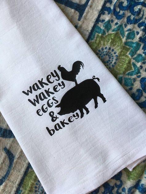 Set of 2 Cute Country Farm Kitchen Towels Dark Linen Wakey Wakey Eggs /& Bakey