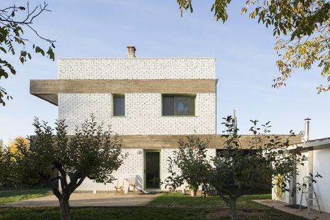 Gallery of House in an Orchard / Javier Ramos Morán + Moisés Puente Rodríguez - 8