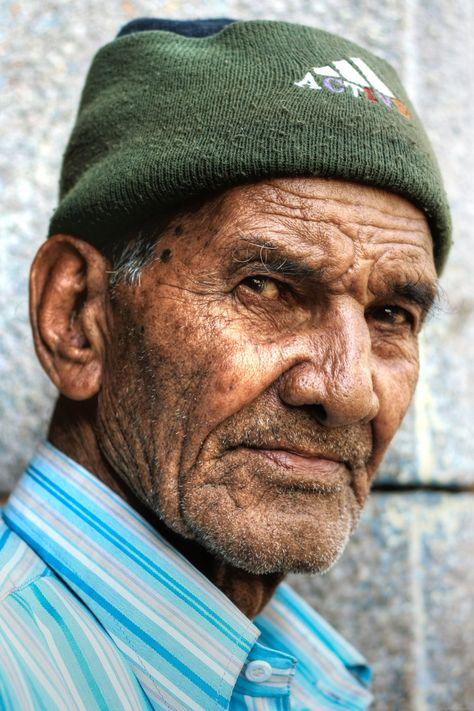 Old men in the old city of Hyderabad – Aditto's Blog