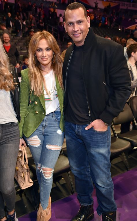 Ready to play ball! On Saturday night Jennifer Lopez kept things quite casual as… Ready to play ball! On Saturday night Jennifer Lopez kept things quite casual as she joine…