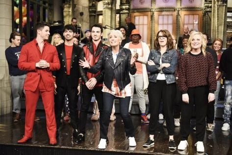 Snl Love It Keep It Leave It Emma Thompson Jonas Brothers Emma