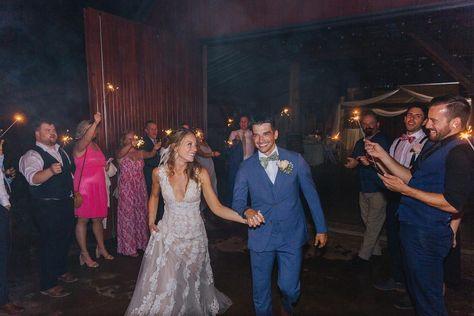 Goodbyes are always bittersweet! You never want this night to end! 📸 Bow Tie Media . . . #2021weddingseason #2021wedding #bridesofNTX #hollowhilleventcenter #texasweddingvenues #rusticvenue #mondayvibes #barnvenue #weddinginspo #weddingday #texasweddingvenues #texaswedding #texasweddingvenue #theknothalloffame #photooftheday #instagood #weddingsofinstagram