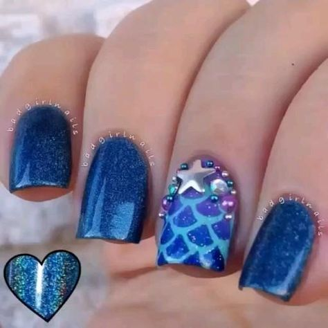 Mermaid glitter nail designs.. #mermaid #glitter #nails #design #nailart #mermaidnails #glitternails #nailartdesigns #bluenails #acrylicnails