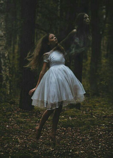 Image about girl in Fantasy by 𝒦𝓇𝒾𝓈𝓉𝒾𝓃𝒶 ℛ𝑜𝓂𝒶𝓃𝑜𝓋𝒶 Creepy Photography, Levitation Photography, Surrealism Photography, Fantasy Photography, Portrait Photography, Multiple Exposure, Double Exposure, The Ancient Magus Bride, Astral Projection