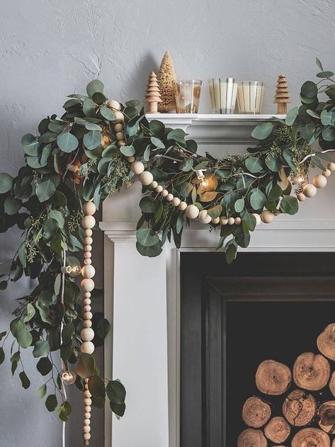 These Holiday Mantel Decor Ideas Are On FireYou can find Seasonal decor and more on our website.These Holiday Mantel Decor Ideas Are On Fire Natal Natural, Navidad Natural, Christmas Mantels, Rustic Christmas, Christmas Holidays, Silver Christmas, Christmas Fireplace, Fireplace Mantle, Victorian Christmas