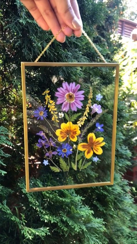 Hanging double glass pressed flower frame