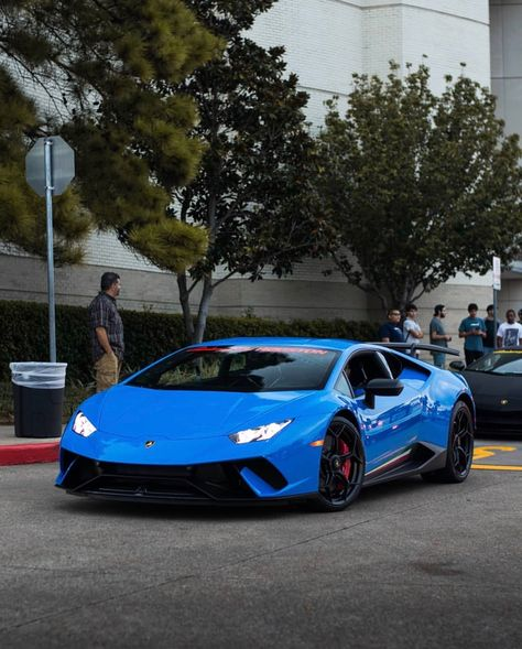 Lamborghini Huracan Performante Painted In Blu Nova W Tricolore