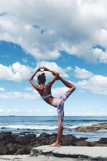 Yoga Inspo For Women Visit Www Spasterfield Com For More Yoga Photography Yoga Inspiration Yo Yoga Poses Pictures Yoga Fitness Inspiration Power Yoga Workout